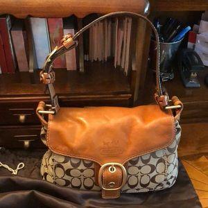 EUC Coach saddle tan hobo bag w/ dust cover bag